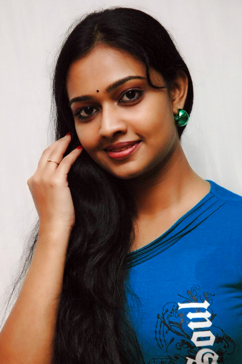 PICTURES OF ACTRESS DIVYA, ASIANET SERIAL ACTRESS DIVYA IAMSGES FREE