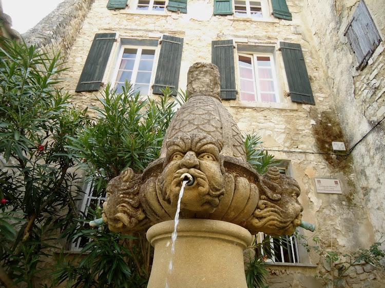La fontaine des mascarons