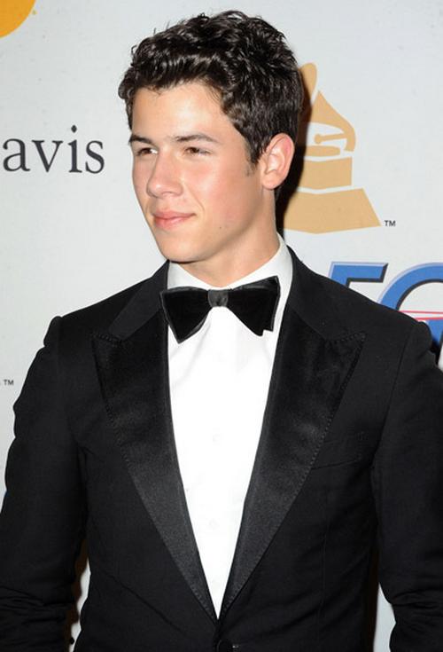 Dtodoblog  Nick Jonas en los Pre Grammy 2011