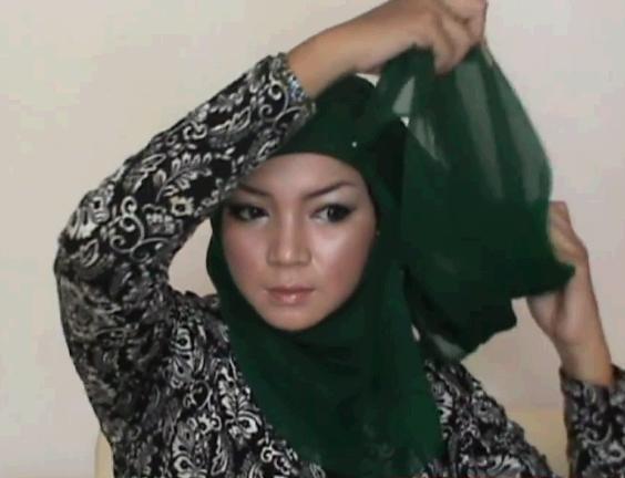 Tutorial Memakai Hijab Paris Segi Empat Untuk Ke Kantor