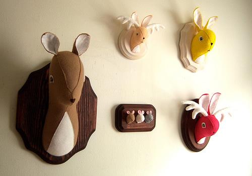 Domingo de tendencias decorativas cabezas y cuernos de - Cabezas de animales decoracion ...