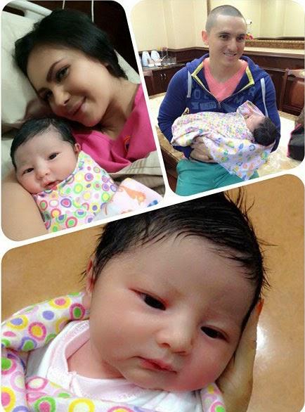 Gambar Rozita Che Wan Selepas Bersalin, Gambar Bayi Rozita Che Wan Dan Zain Saidin Baru Lahir, Gambar bayi Rozita Che Wan (Che Ta) dan Zain Saidin baru lahir pada 1 November 2014, Gambar Anak Rozita Che Wan Yang Baru Lahir, 1/11/2014, 1November2014, Gambar Bayi Rozita Che Wan Dan Zain Saidin Baru Lahir, Che Ta's Baby Newborn, Rozita Che Wan's Baby Newborn