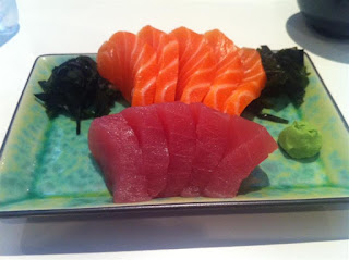 Stitch and Bear - Tuna and salmon sashimi at Michie Sushi