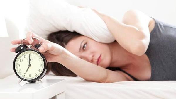 5 Kebiasaan Buruk Di Pagi Hari Yang Menurunkan Mood