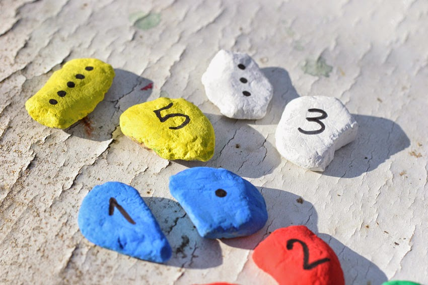 Juego de números con piedras de colores4