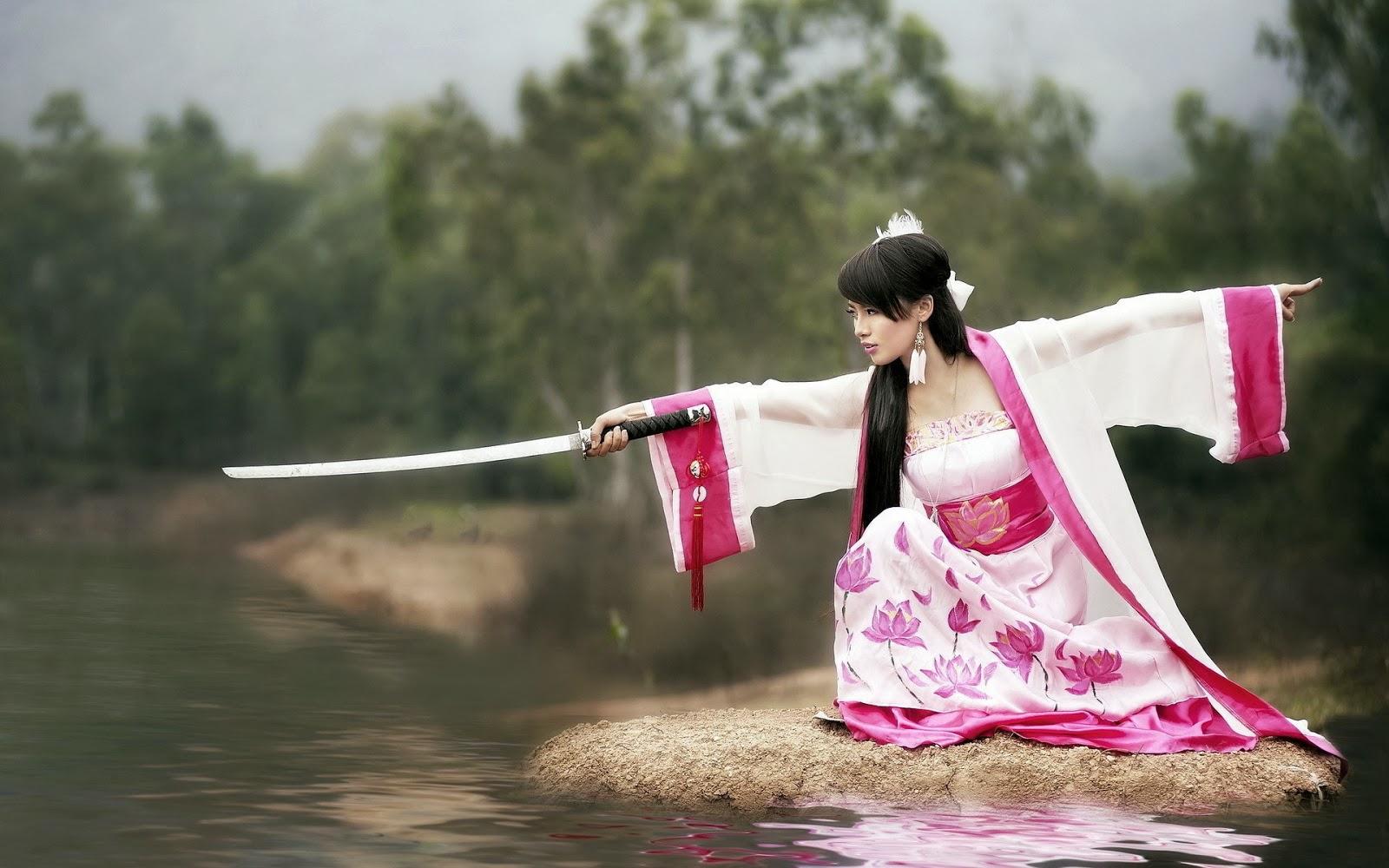 Японка в белом фото 1 фотография