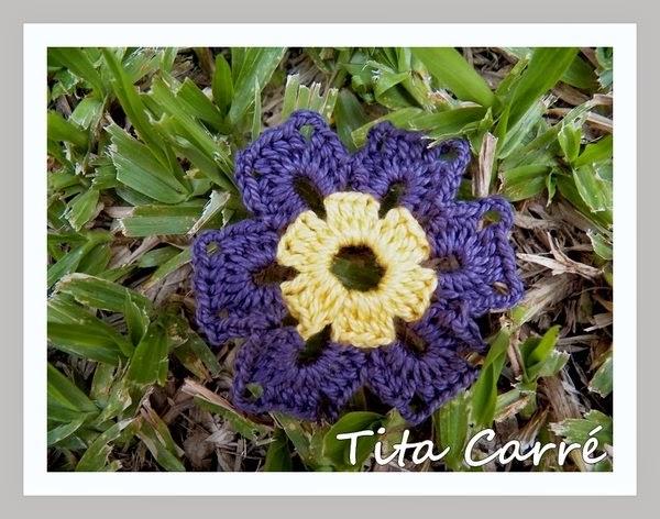 Flor em padrão granny square