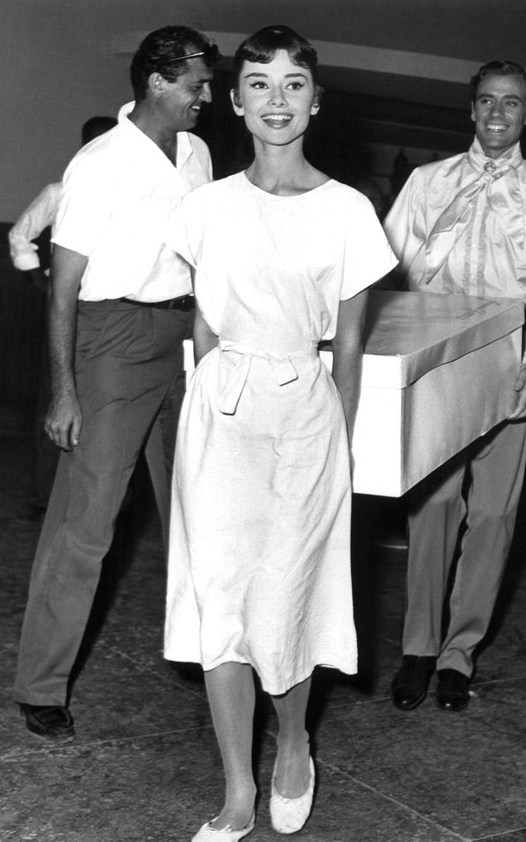 Audrey Hepburn Funny Face Wedding Dress 96 Stunning  Iconic Style Moments