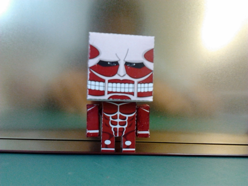 Attack on Titan Paper Toy Colossal Titan