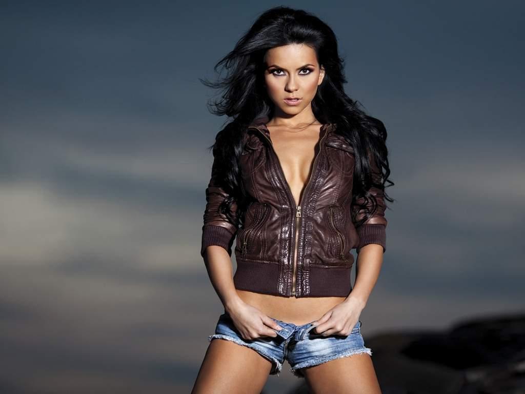 http://4.bp.blogspot.com/-FAqsedRu_Ns/TbQ102Z4o0I/AAAAAAAABPM/QXzqx8bsgS8/s1600/Inna-Hottest-Women.jpg