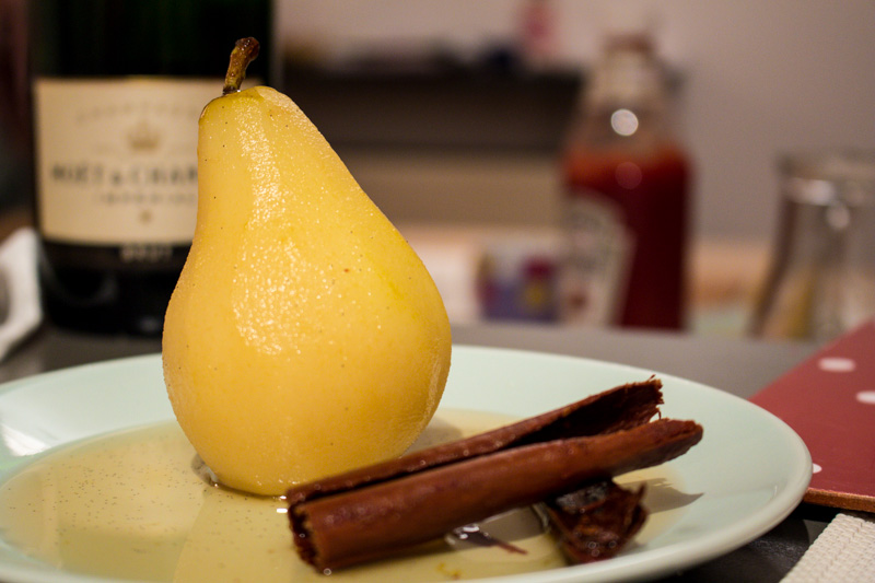 Champagne poached pears | Svelte Salivations