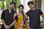 kundanapu bomma star cast photos-thumbnail-12
