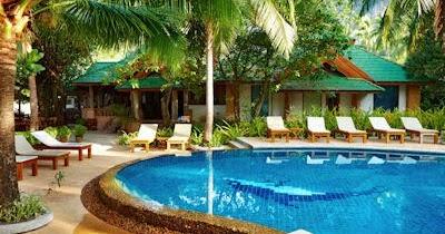 Banco de im genes aguas claras de la piscina lugares for 7 piscinas sagradas maui