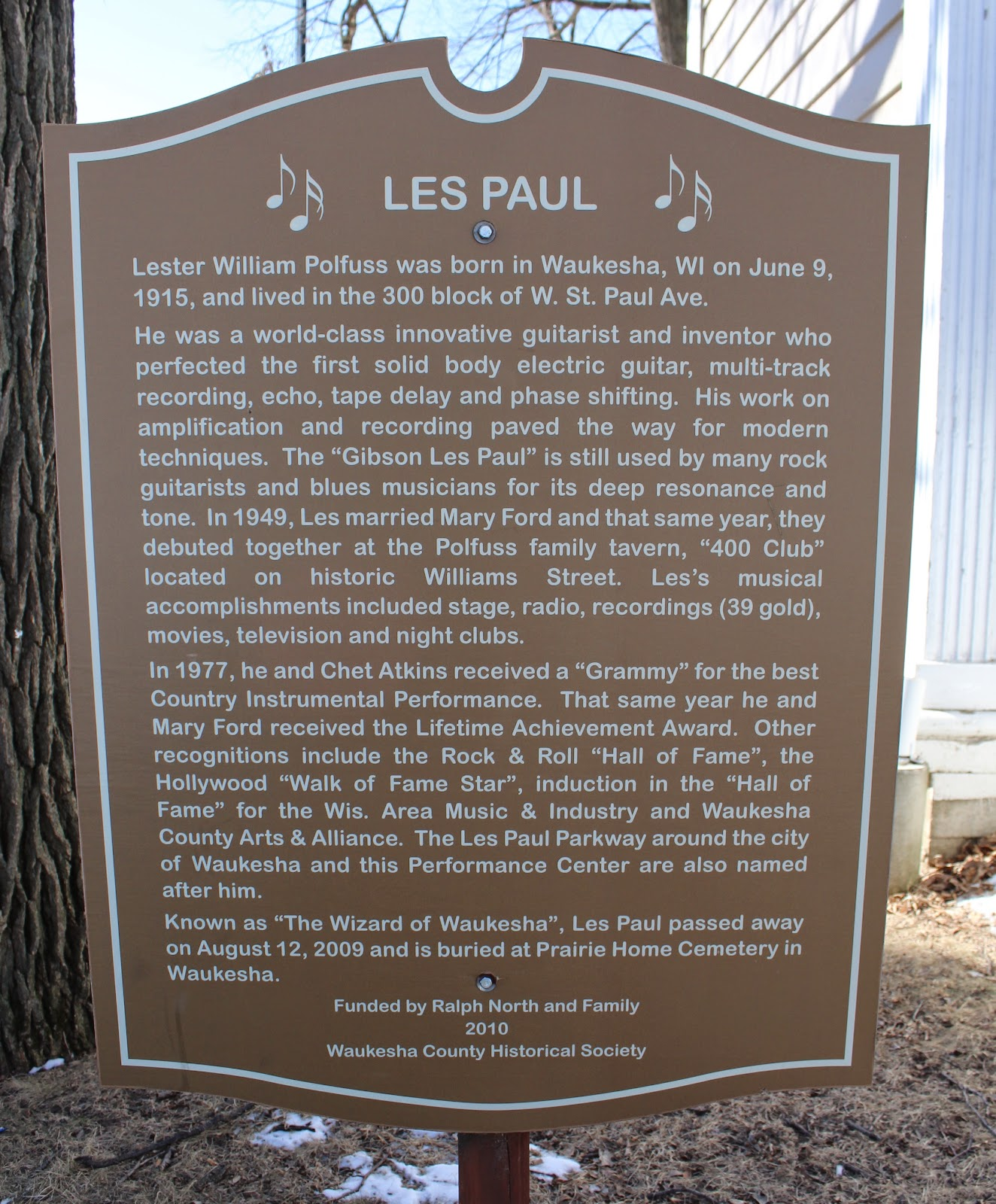a biography of les paul as a musician and inventor born in waukesha wisconsin Directory of famous wisconsin people  john bardeen inventor, madison carrie  catt woman suffragist, ripon ellen corby  les paul musician, waukesha.