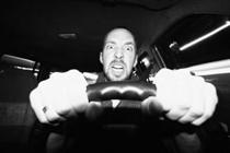 comportamento alla guida di una vettura ibrida