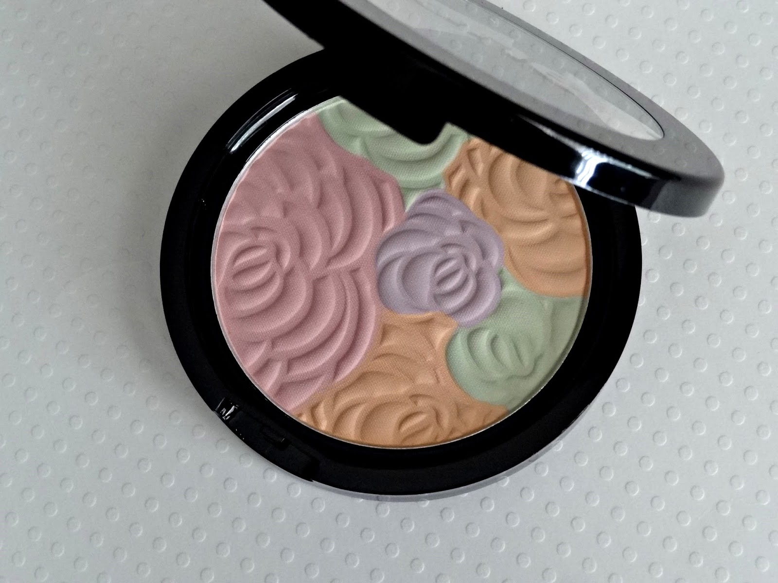Makeup beauty and more jane cosmetics multi colored color correcting - Jane Cosmetics Multi Colored Color Correcting Powder 12 Ulta Com Is A Sheer Color Correcting Pressed Powder That Helps Even Skintone And Set Makeup