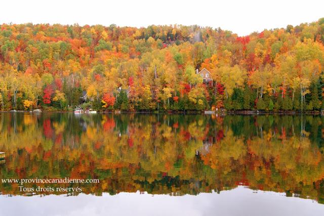 lac+des+laurentides+en+automne