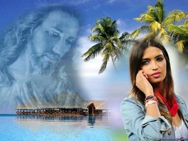 Fotomontaje junto a Cristo.