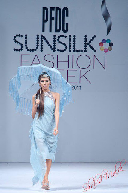 Pakistani Fashion Model - Fayezah A Ansari