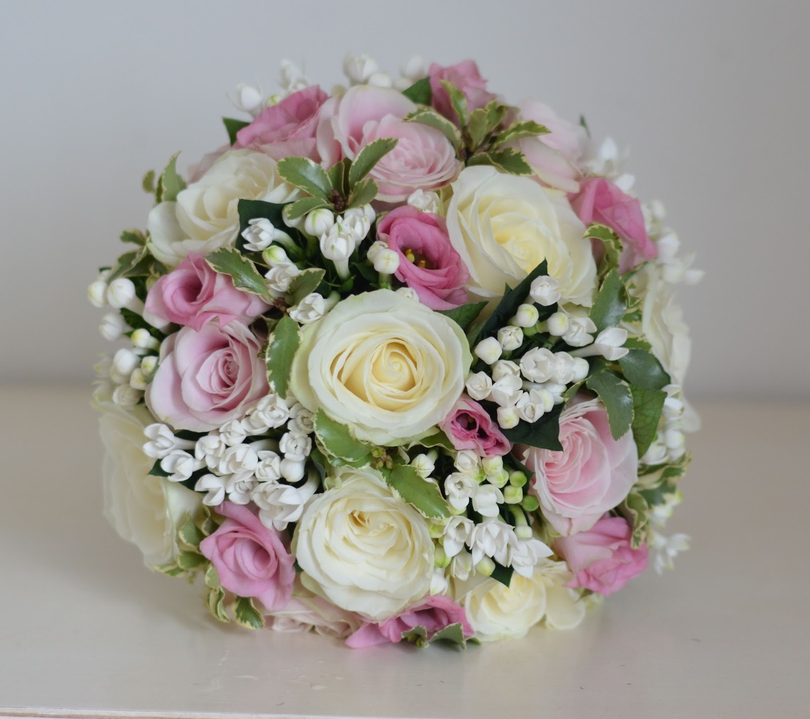Bridal Bouquets Pink And White : Wedding flowers jade s classic pink and white