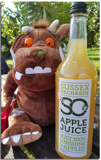 Catching some and apple juice with the Gruffalo