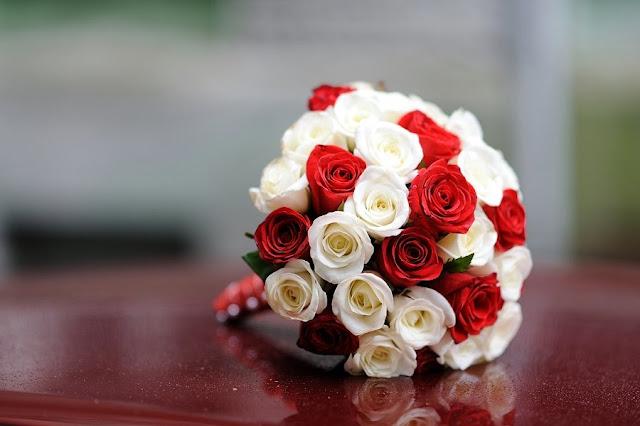 Біле і Червоне Букет нареченої Фото Юри Зелененького, Україна
