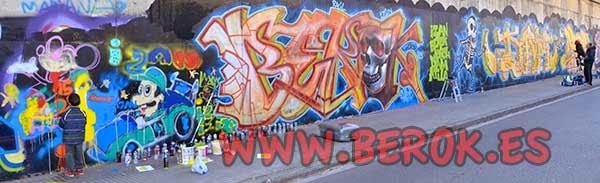 Izan pintando junto a Berok, Jolich, Dam y Atila