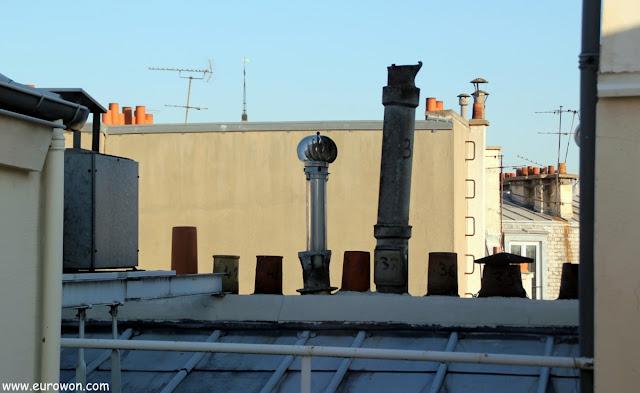 Tejados y chimeneas de París