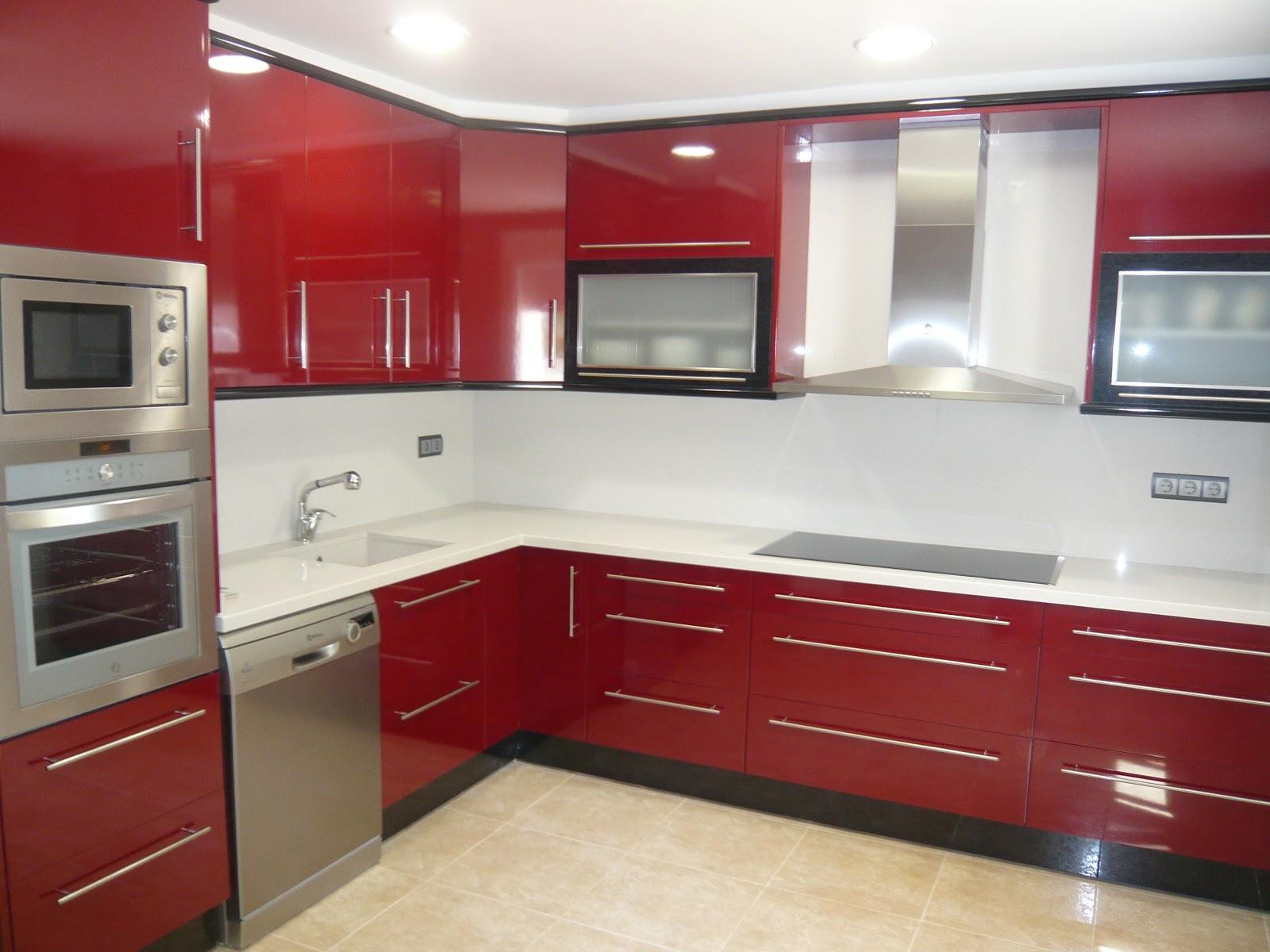 Reuscuina cocina de formica rojo negra for Muebles para cocina baratos