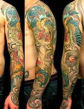 Tatuagem do galo no braço