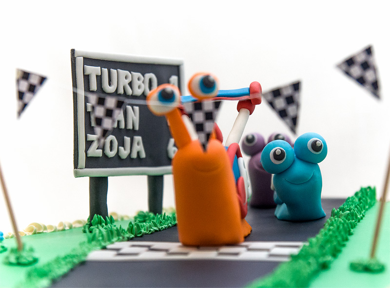 Turbo fondant cake 2nd edition blue snail close up