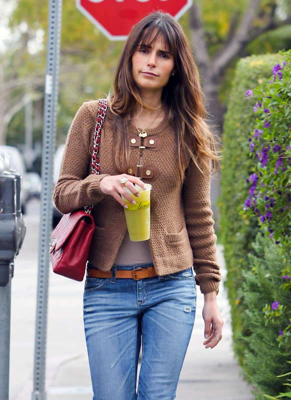 Jordana Brewster's Tight Jeans Ass