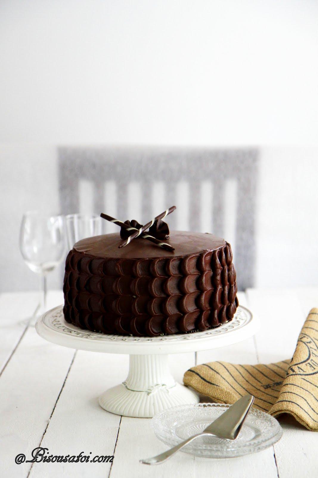 Bisousatoi Chocolate Cake