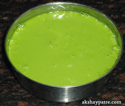 grind dosa batter to make sabbasige sihi dosa recipe