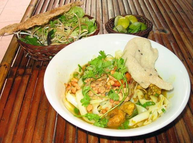 Quang noodle - Mỳ Quảng