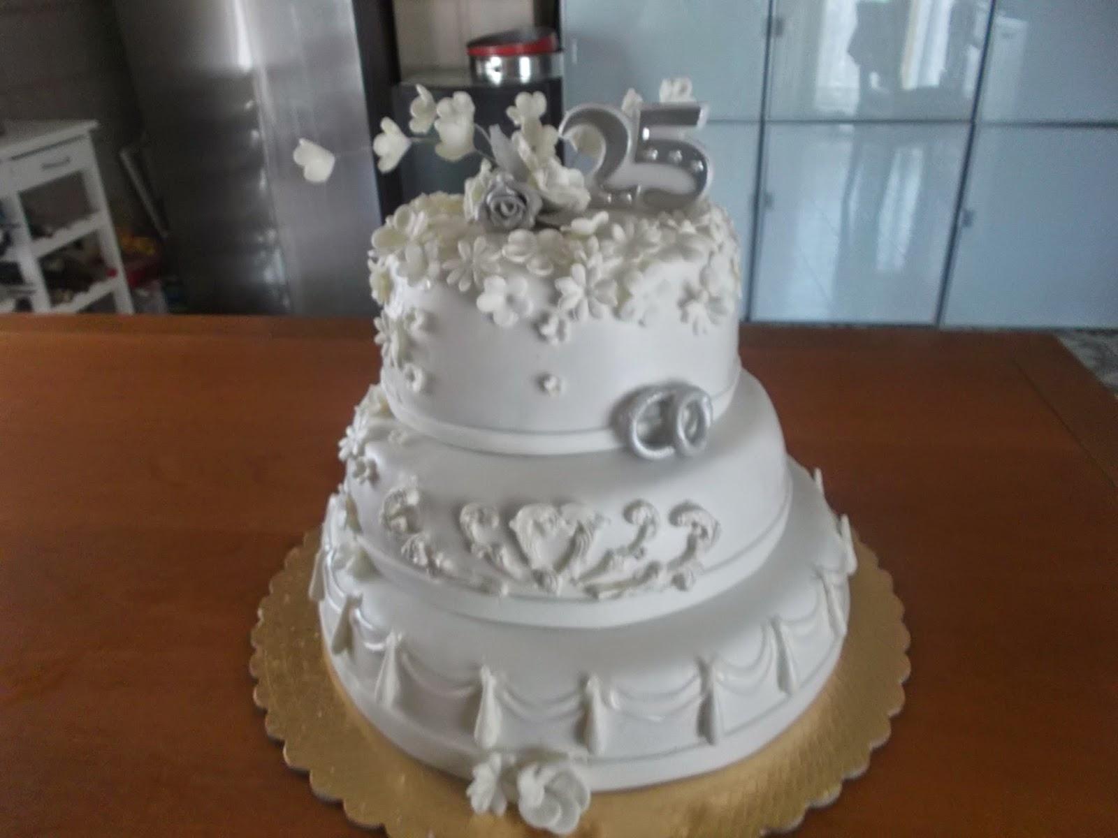 Le Torte Di Adele Torta 25 Anni Di Matrimonio