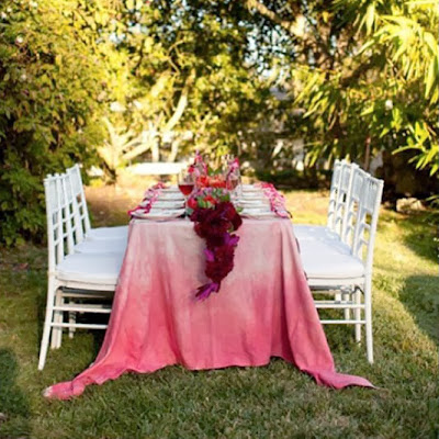 http://www.saphireeventgroup.com/blog/is-it-time-the-ombre-wedding-trend-retired/
