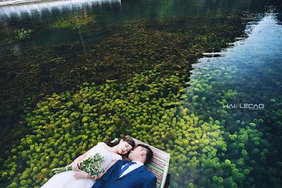 Tràng An, Ninh Bình là một địa điểm chụp ảnh cưới đẹp hút hồn với phong cảnh hoang sơ và vô cùng ấn tượng