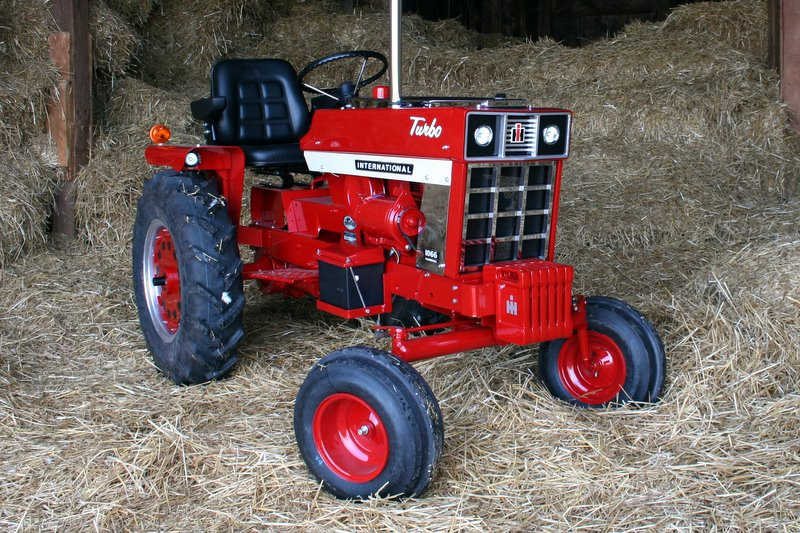 Red Cub Cadet Tractors : Scale cub cadet general ih red power magazine
