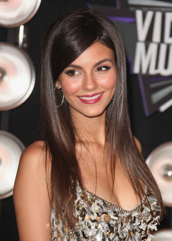 Victoria Justice at  2011 MTV Video Music Awards