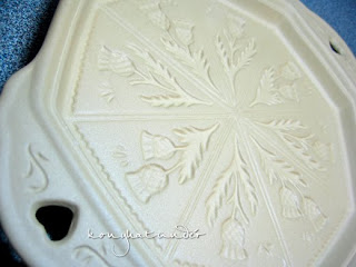Shortbread-Stone-thistle-design