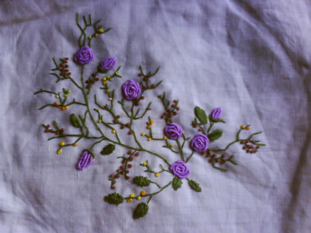 Amazon.com: Bullion Stitch Embroidery: From Roses to Wildflowers