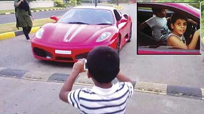 Budak 9 tahun bawa Ferrari di India