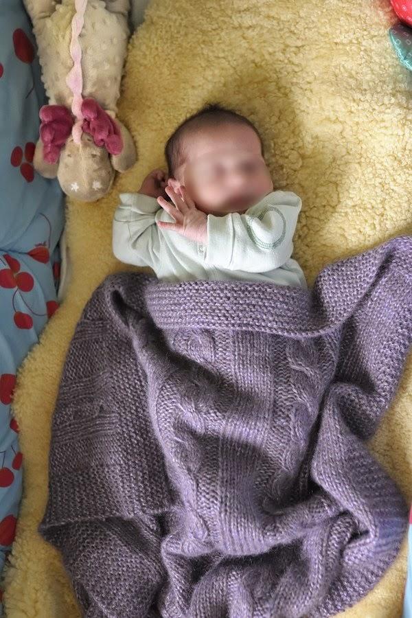 tricot-plaid-bébé-alpaga-muze-plassard