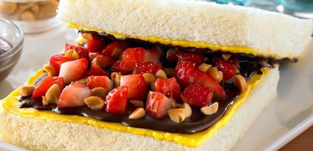 Resep Roti Chocoberry Renyah Ala Blueband, Sajian Sarapan Lezat
