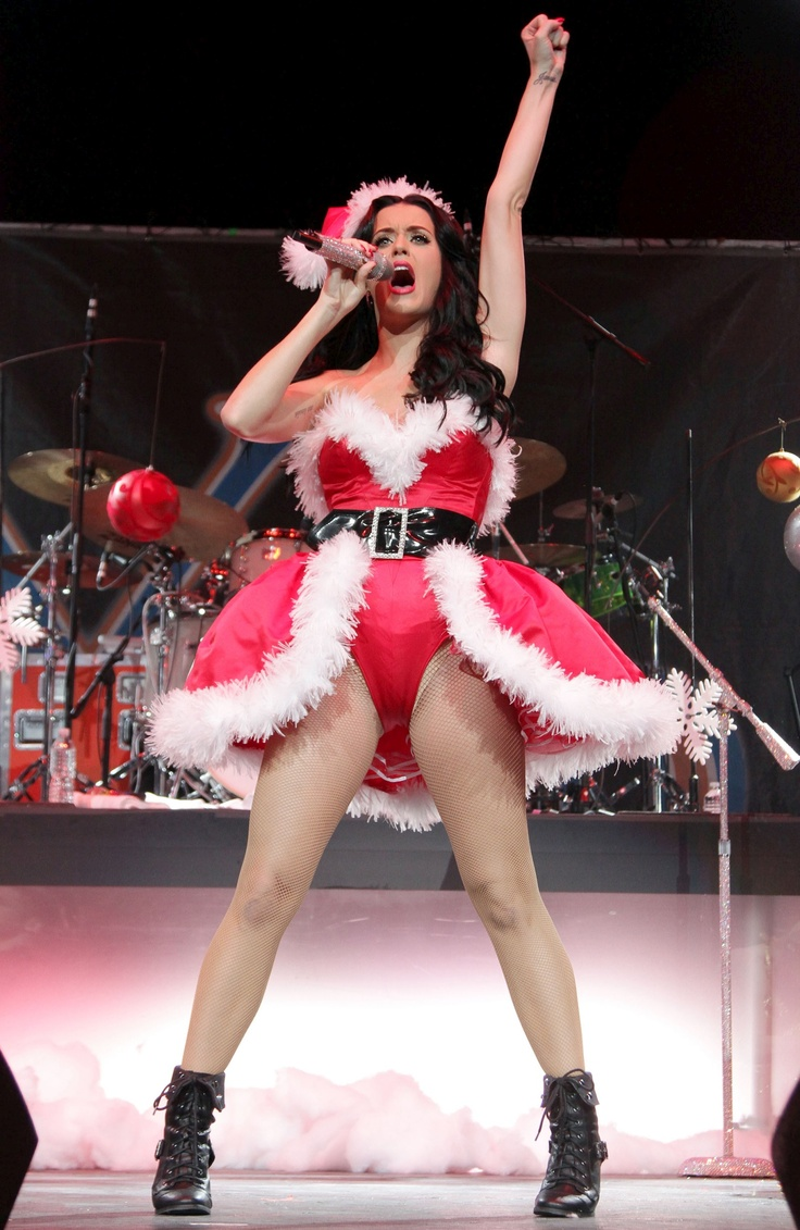 The Holiday Site: Katy Perry Celebrates Christmas