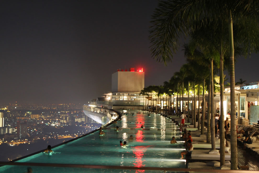 Luxury life design most beautiful rooftop pools in the world for Rooftop swimming pool