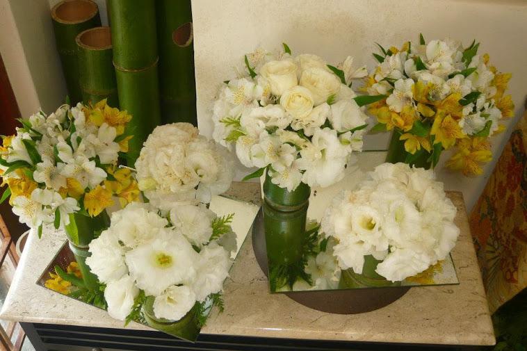 Casamento amostra para noivas centro de mesa com flores nobres .