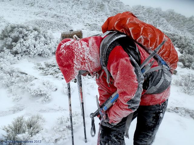 Pico el Lobo en la Sierra de Ayllon, fuerte ventisca