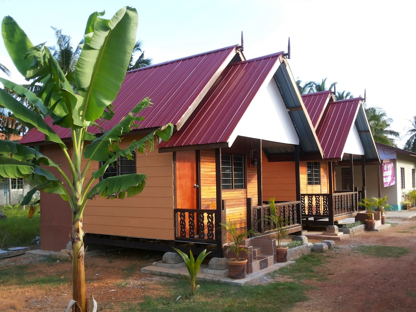 homestay Welcome to goan homestays goan home stays provides luxurious 1 and 2 bedroom apartments at the prime holiday destinations of candolim and calangute, north goa.